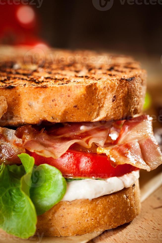 sandwich blt - gros plan photo