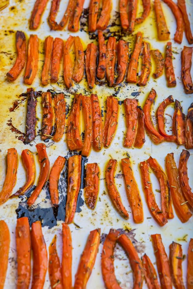carottes rôties photo