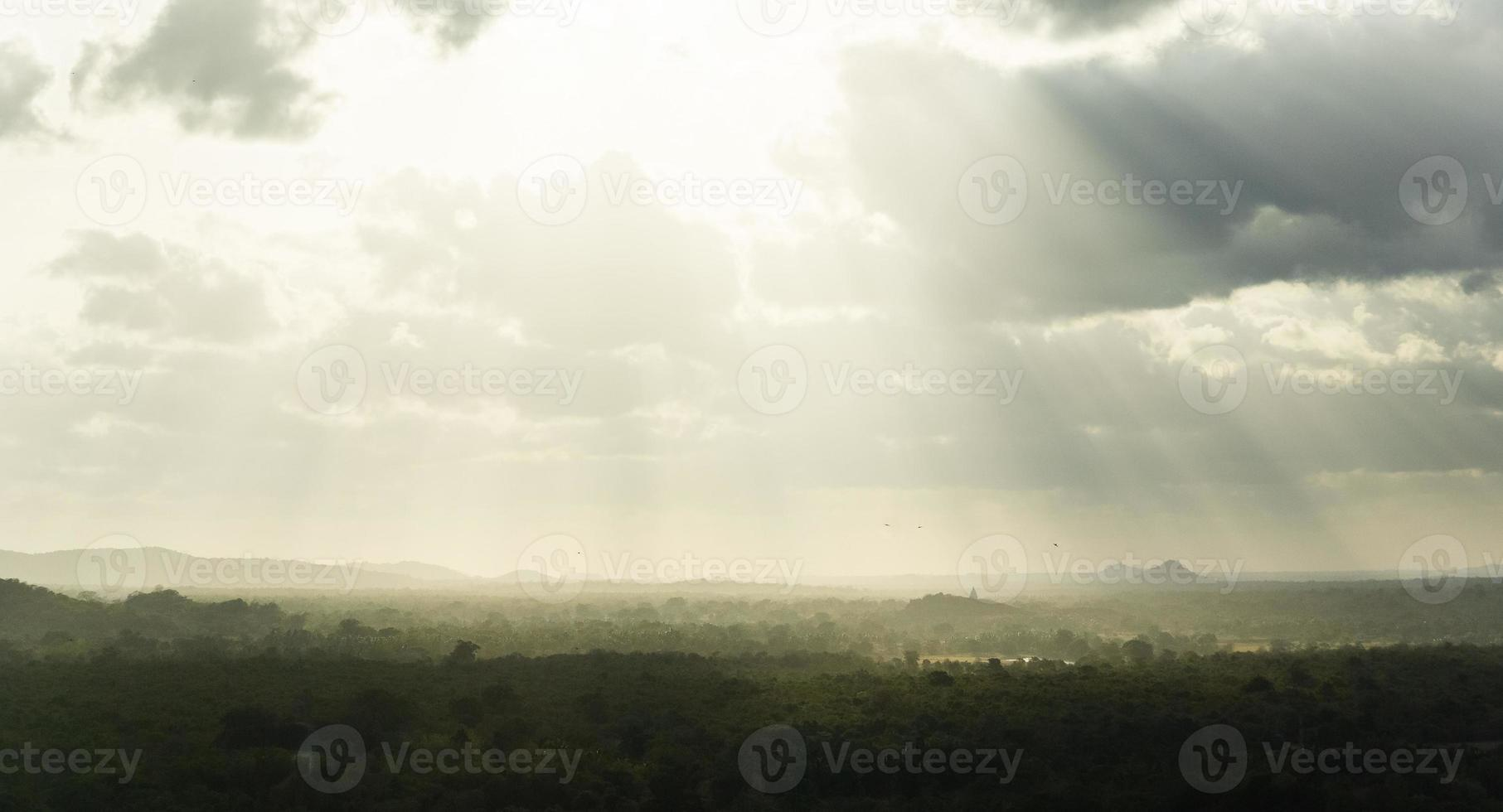 vue depuis le rocher de sigiriya photo
