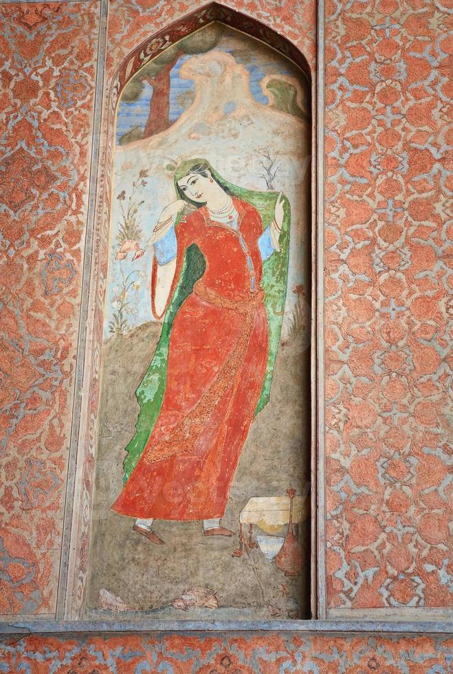 fresque ancienne représentant une femme persane photo
