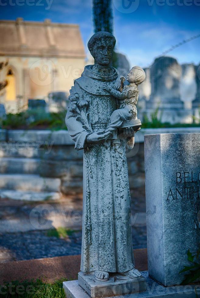 saint au cimetière photo