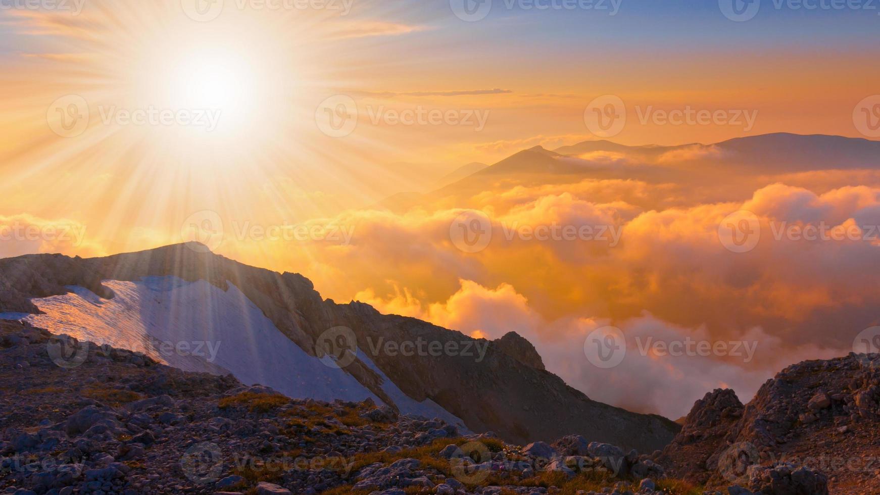 coucher de soleil montagne été photo