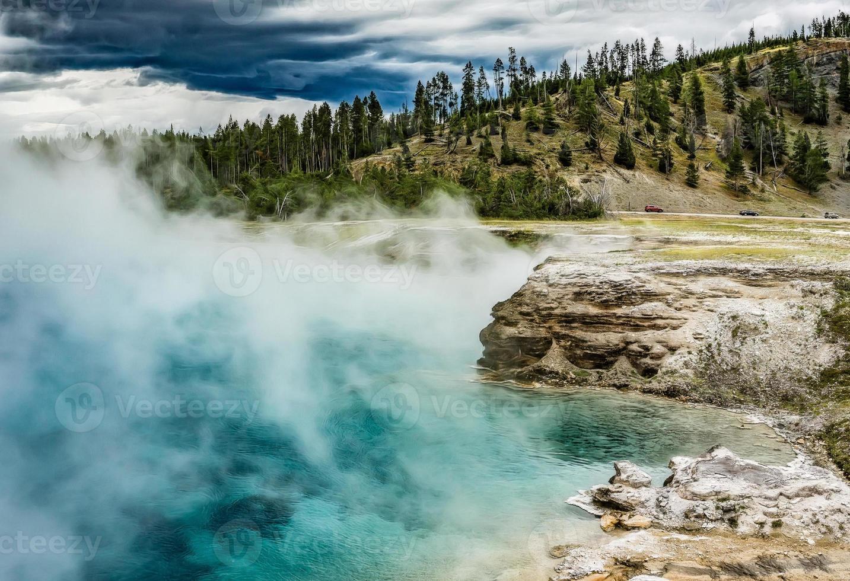 cratère de geyser excelsior photo