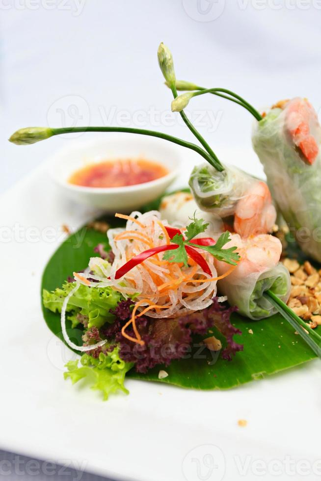 rouleau de printemps vietnamien photo