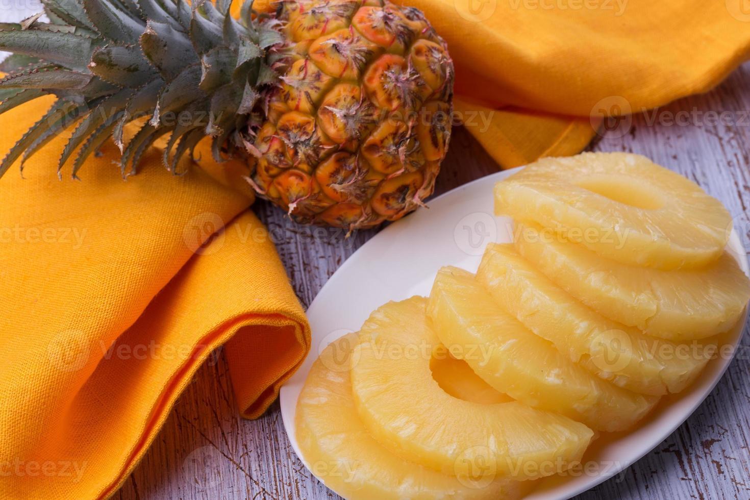ananas frais photo