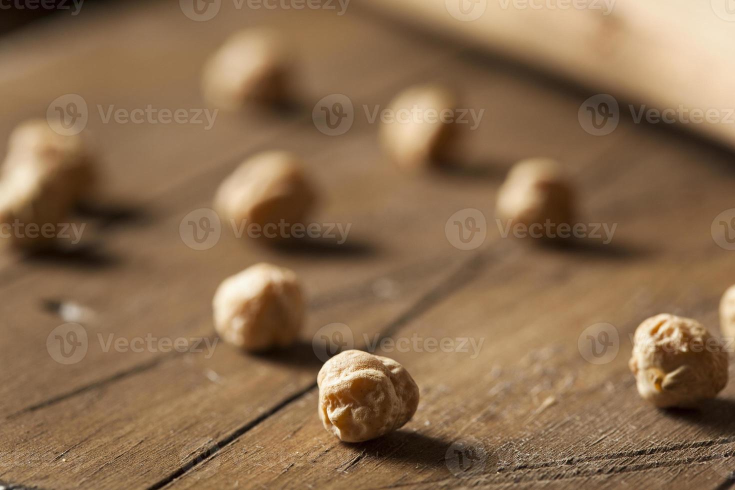 haricots garbanzo biologiques crus photo