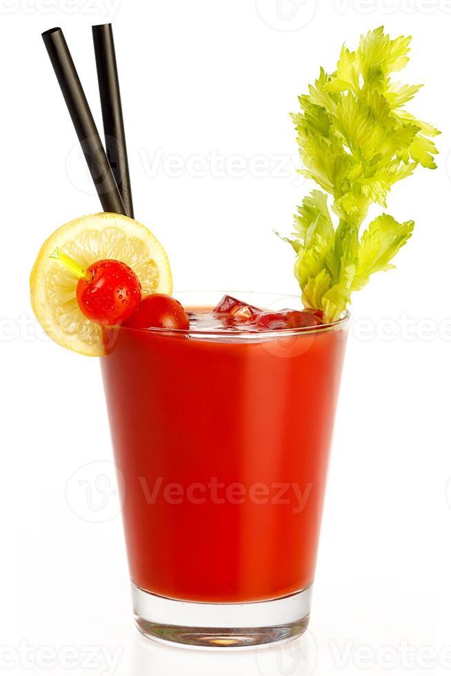 délicieux jus de tomate fraîche. concept de régime sain photo