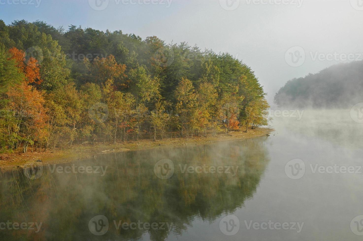 automne ruisseau tombe lac photo