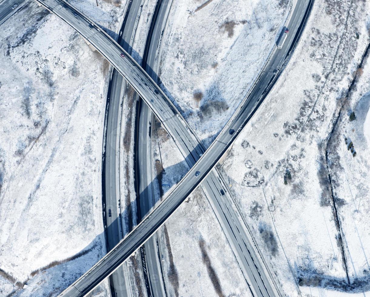 intersections d'autoroute hiver vue aérienne photo