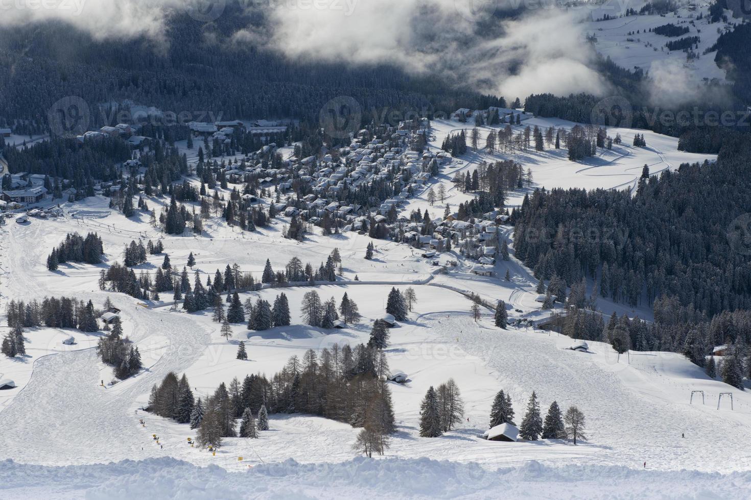 paysage d'hiver dans la dolomiti photo