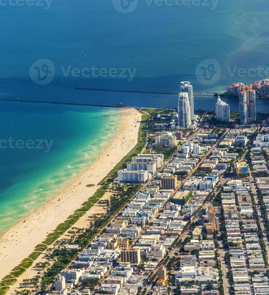 Miami aérienne de la ville et de la plage photo