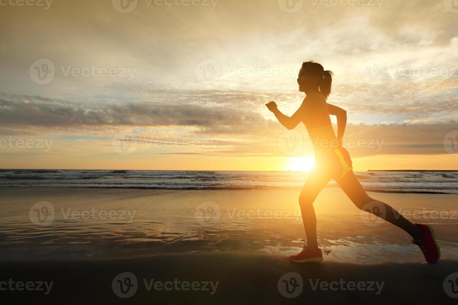 femme sport en cours d'exécution photo
