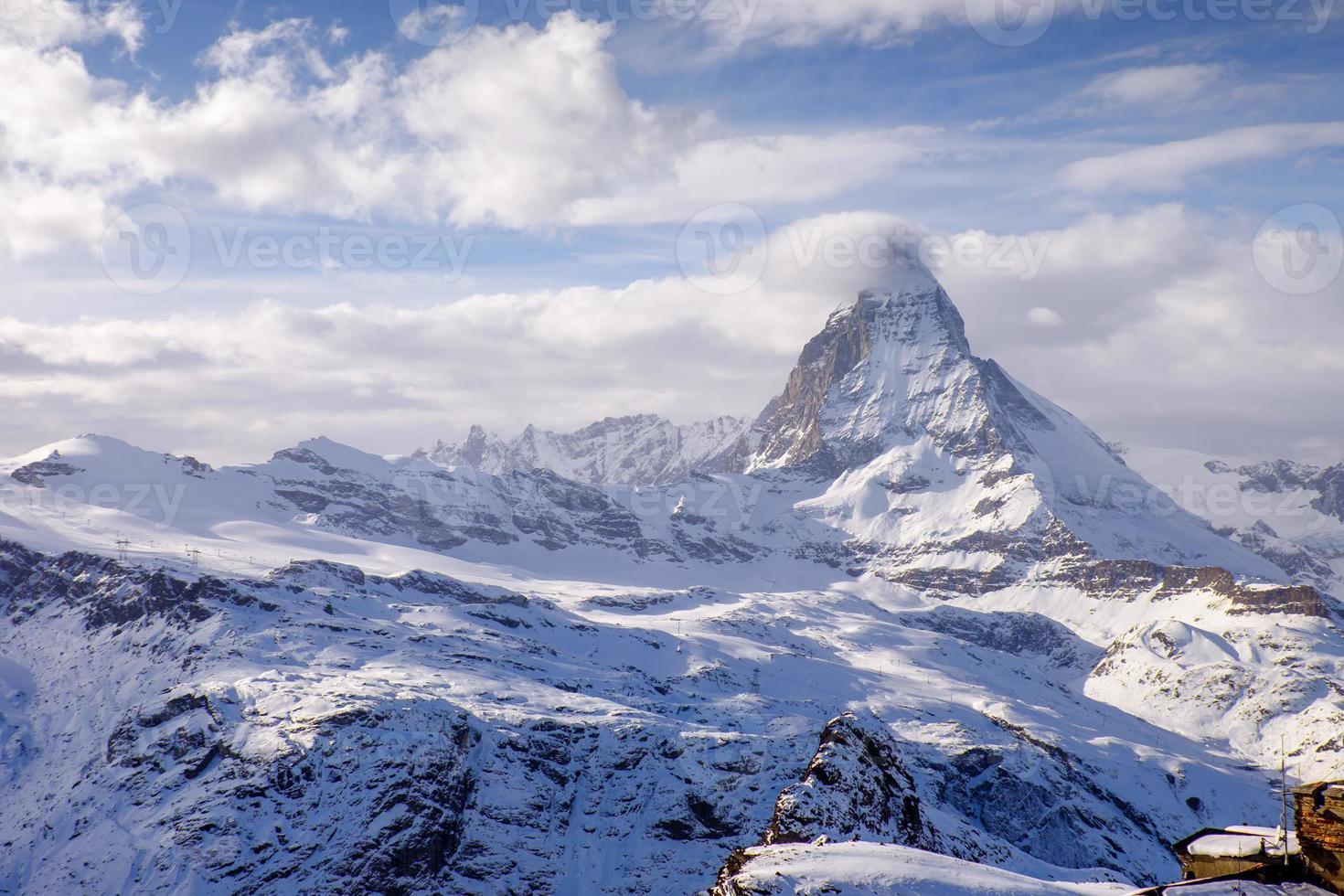 Incroyable Cervin avec la ville de Zermatt, Suisse photo