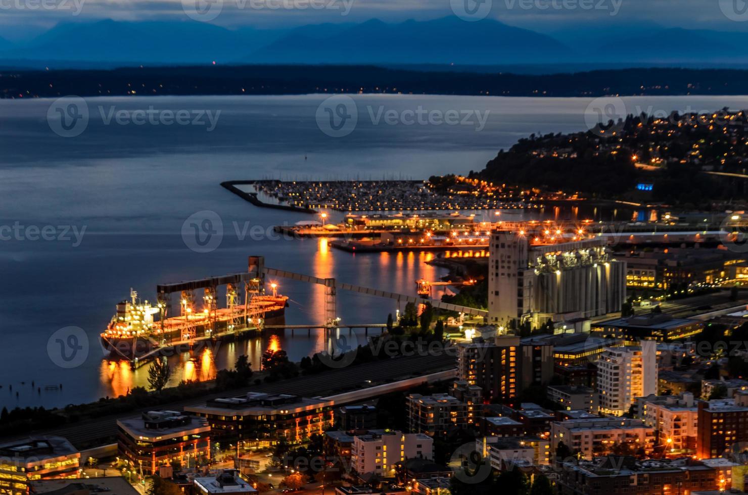 Seattle la nuit du haut de l'aiguille spatiale photo