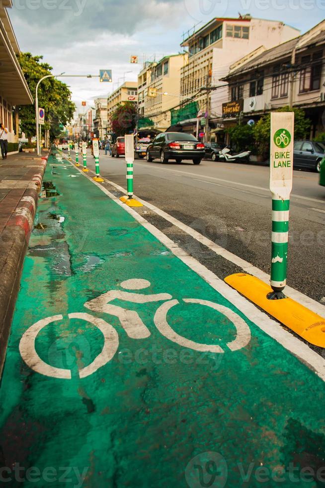 rough_bike_lane_in_bkk photo