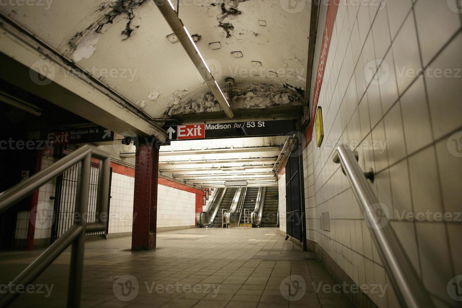 arrêt de métro de la ville de new york photo
