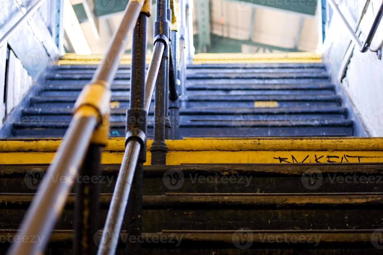 escaliers menant et sortant photo