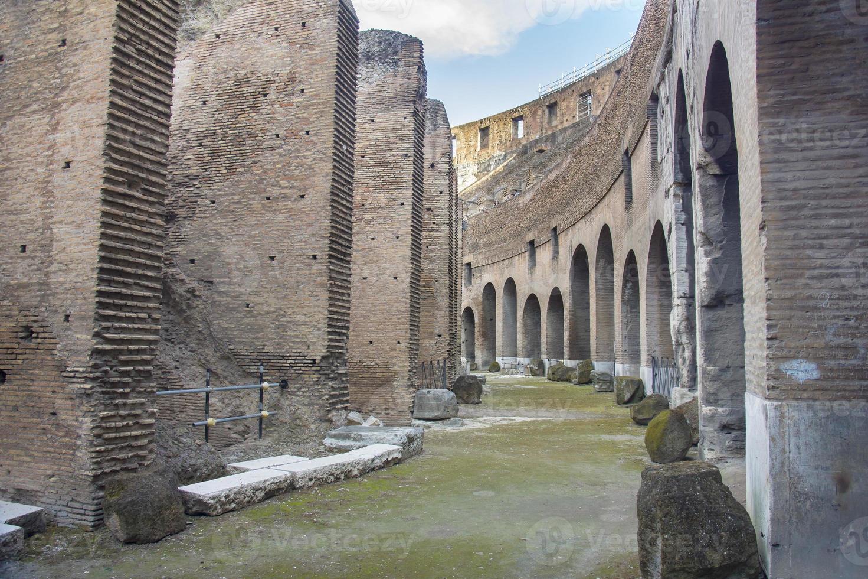 Intérieur du Colisée romain, Rome, Italie photo