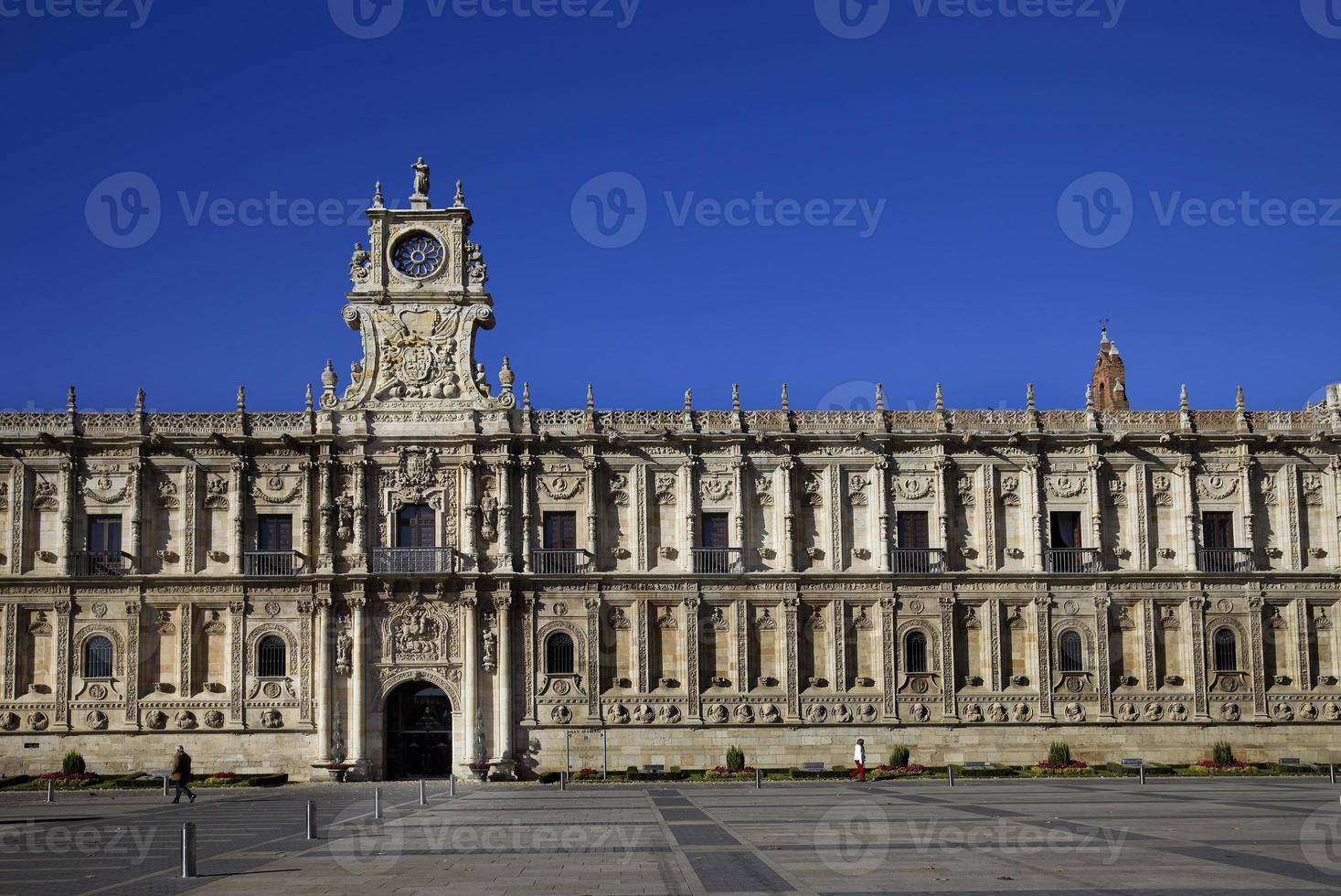 façade de style plateresque de st marcos hostal (leon, espagne) photo