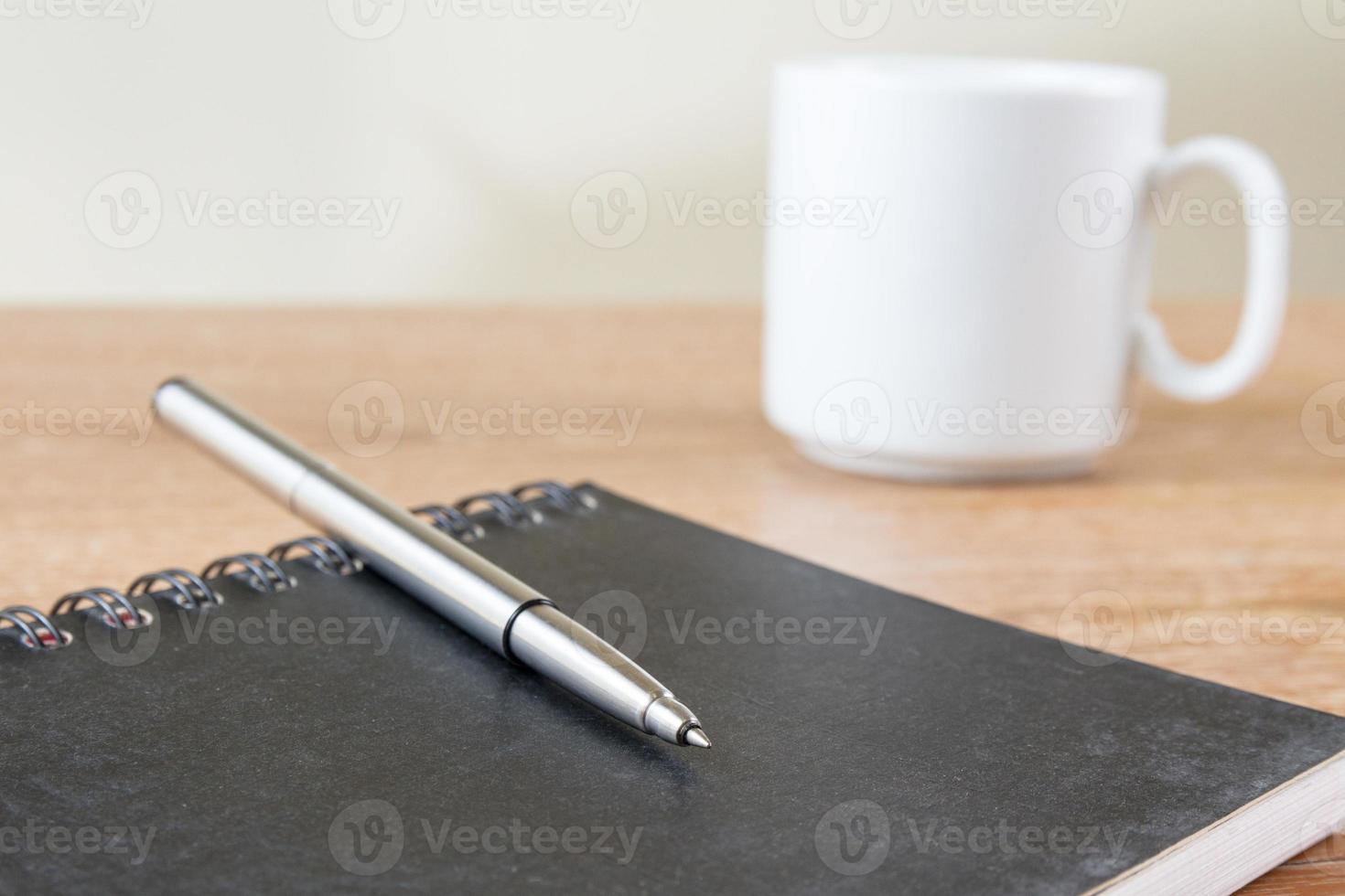 cahier sur table photo