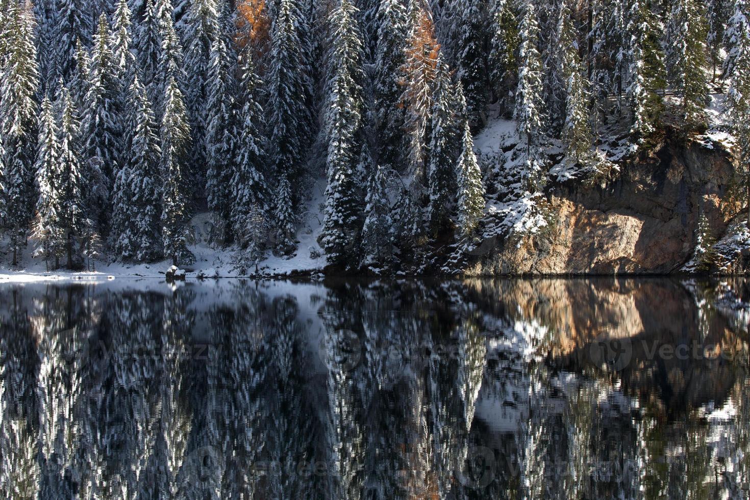 lago di braies ii photo