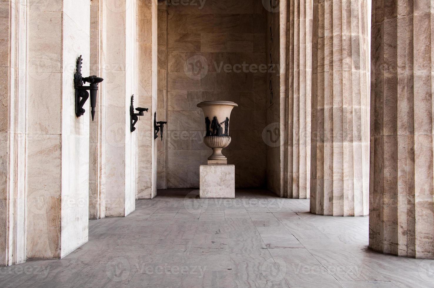 colonnade de style classique photo