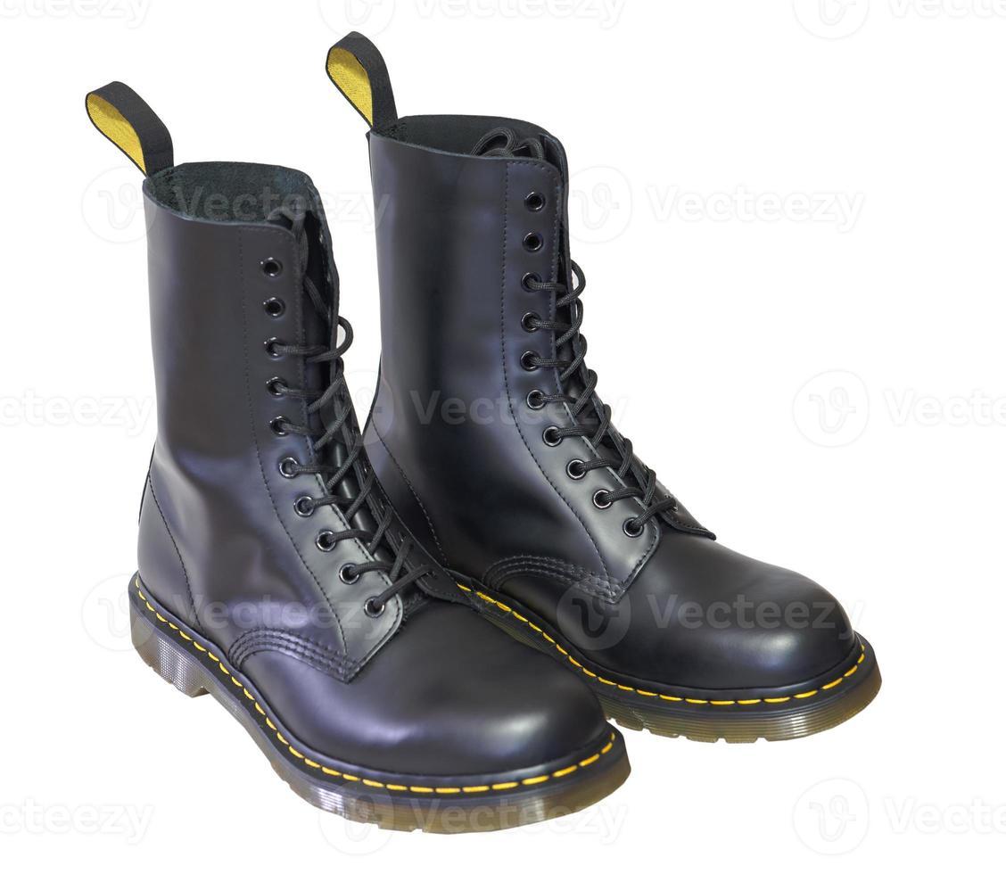 bottes hautes en cuir pour hommes. photo