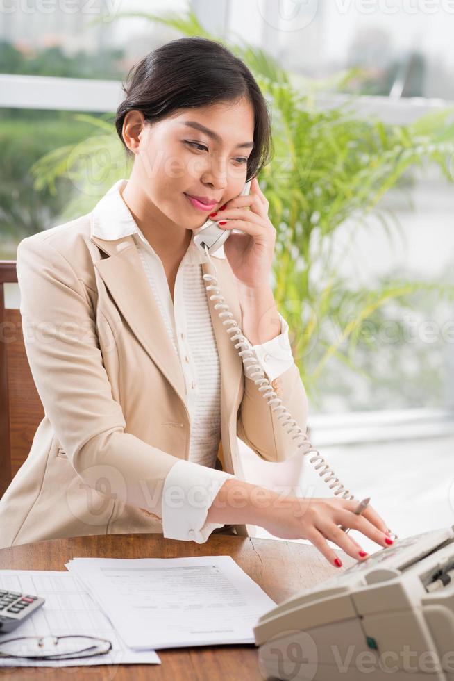 belle secrétaire asiatique photo