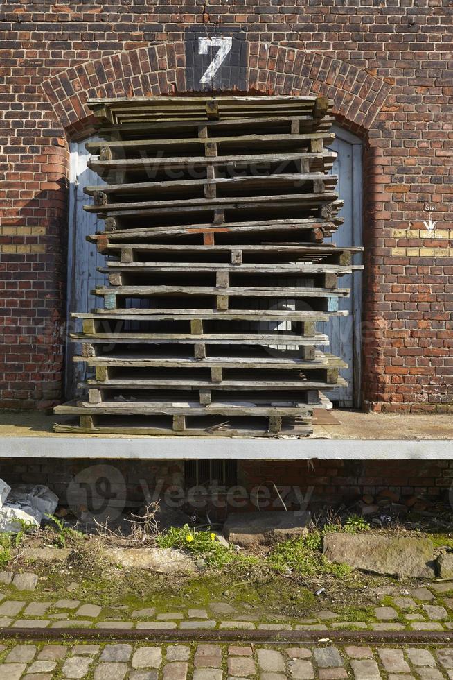 Hambourg - ancien entrepôt dans le port photo