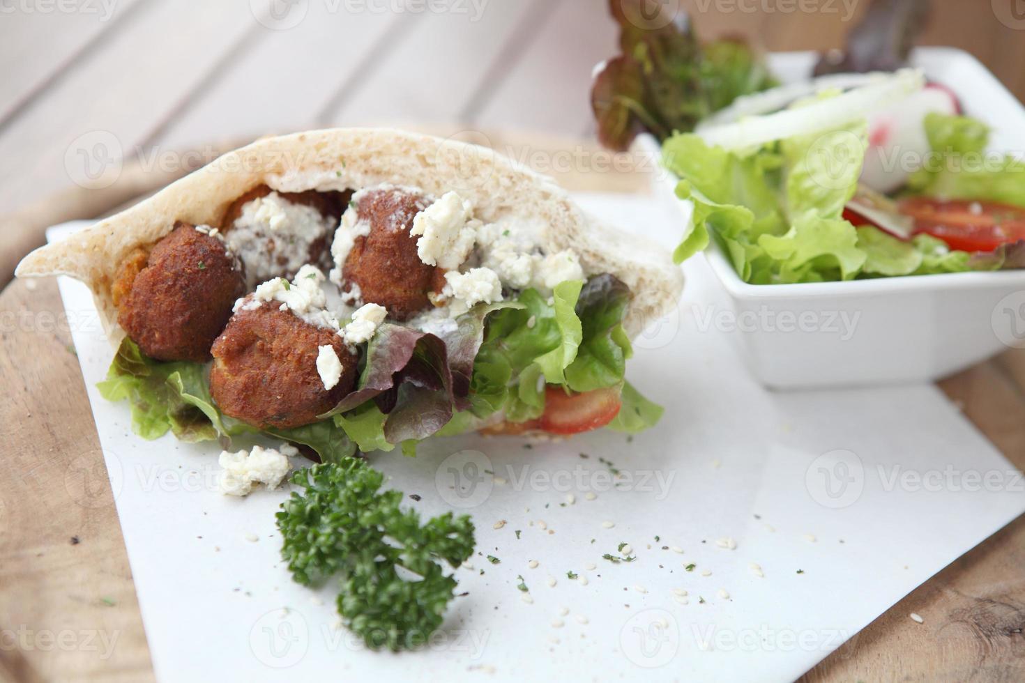 falafel dans une pita photo