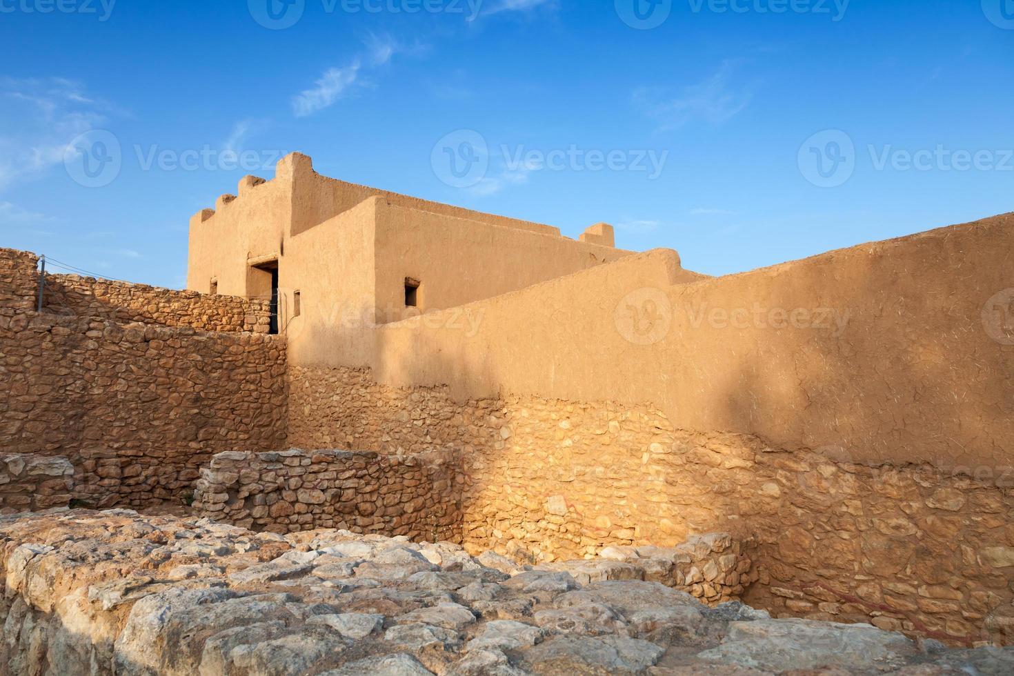 citadelle ibérique de la ville de calafell, ancienne forteresse photo
