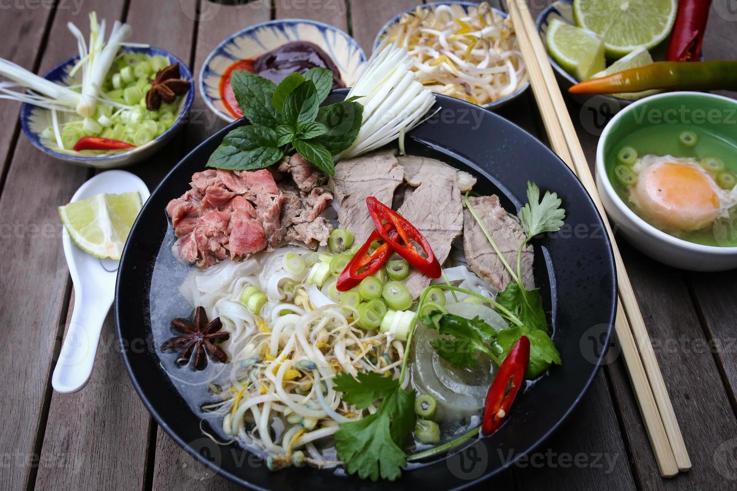 pho, nouilles de riz vietnamiennes photo