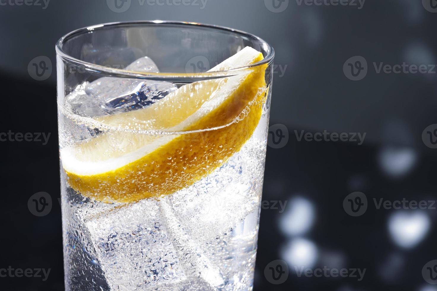Gin tonic ou tom collins photo