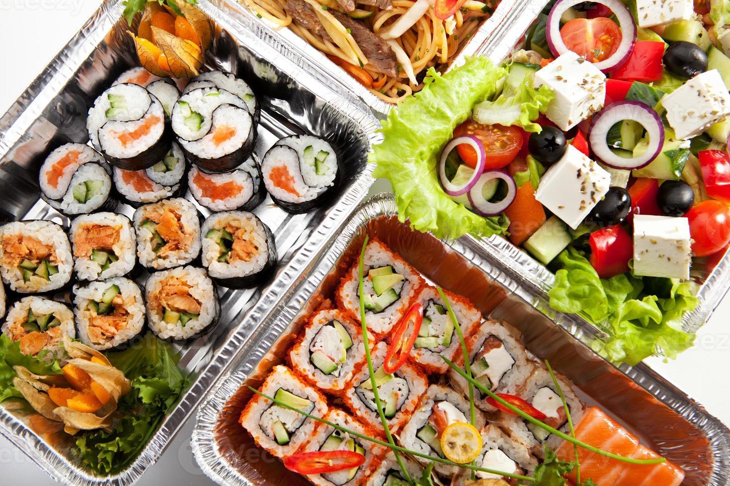 ensemble de sushi photo