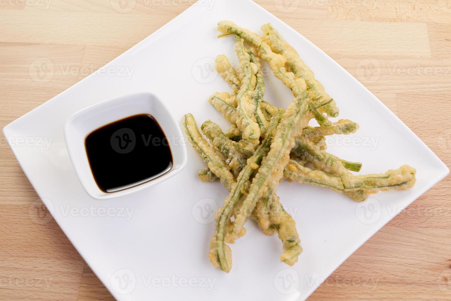 haricots verts tempura avec trempette photo