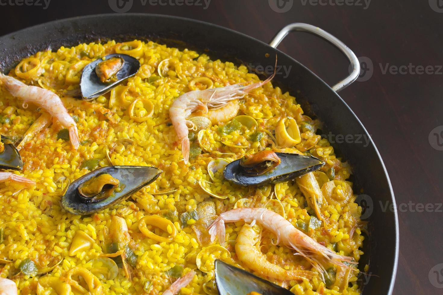 Paella au fruits de mer photo