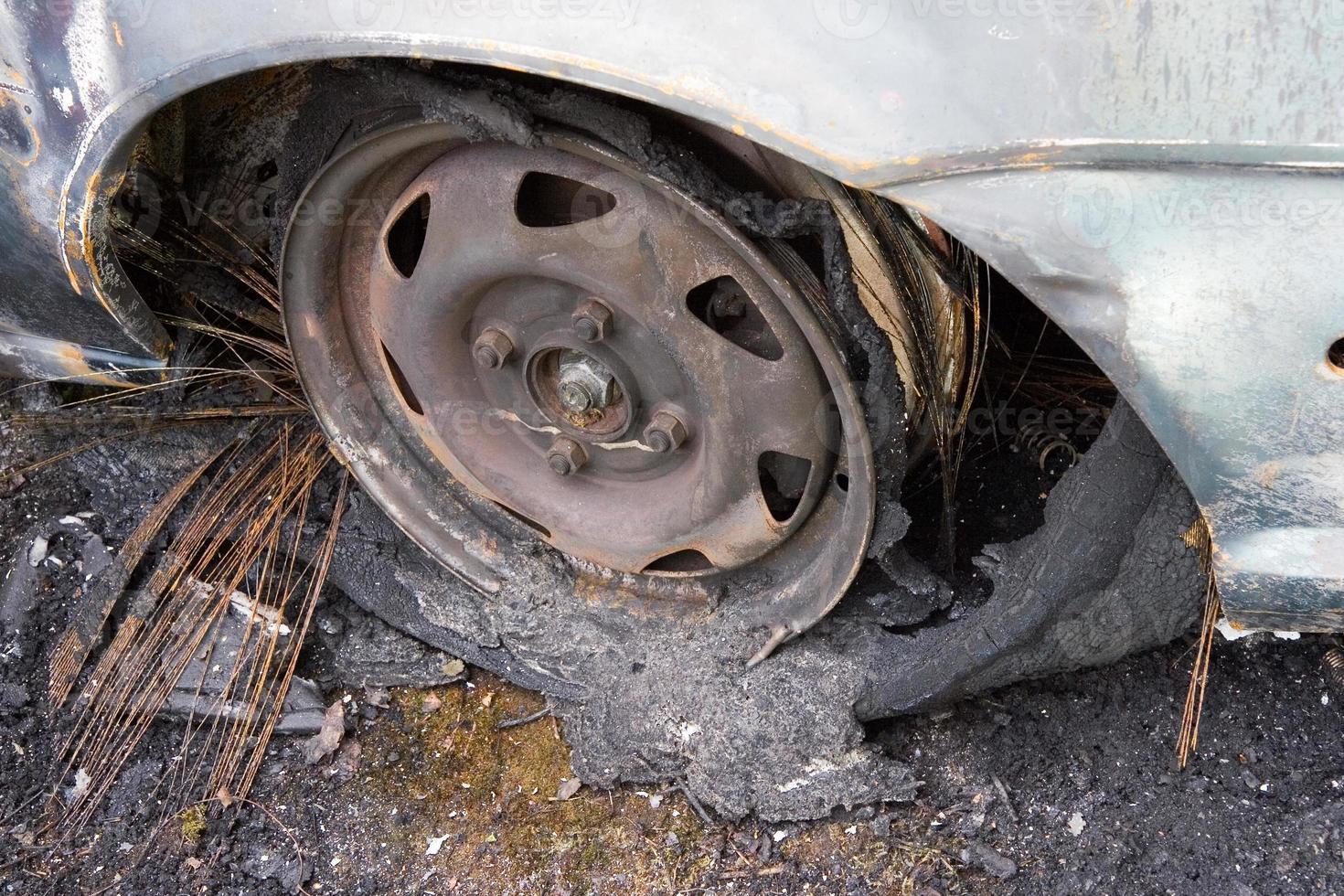 pneu brûlé photo