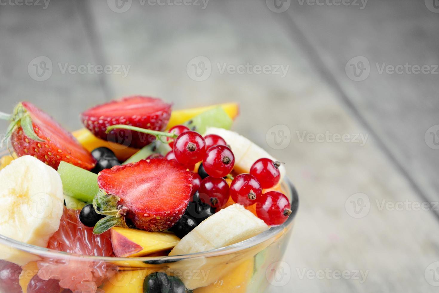 salade de fruits savoureux frais photo