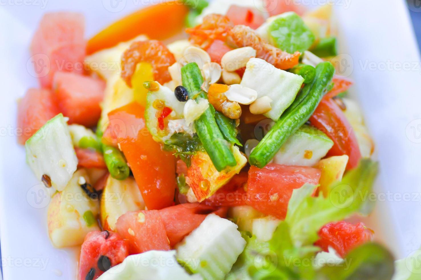 salade de fruits et légumes photo