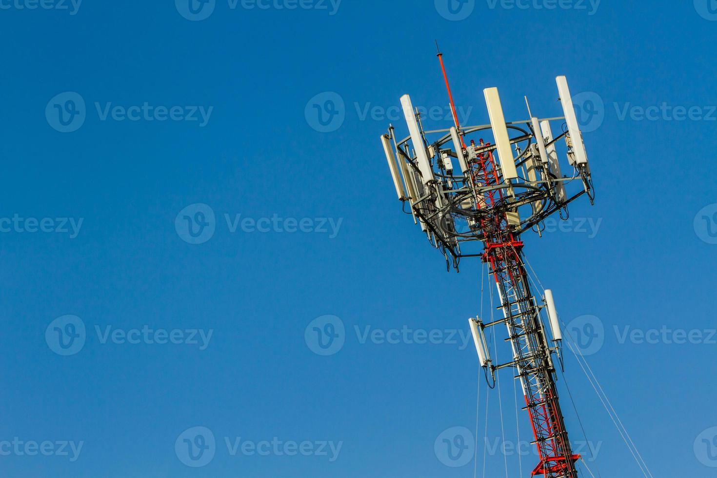 tour de téléphonie cellulaire de télécommunications. photo