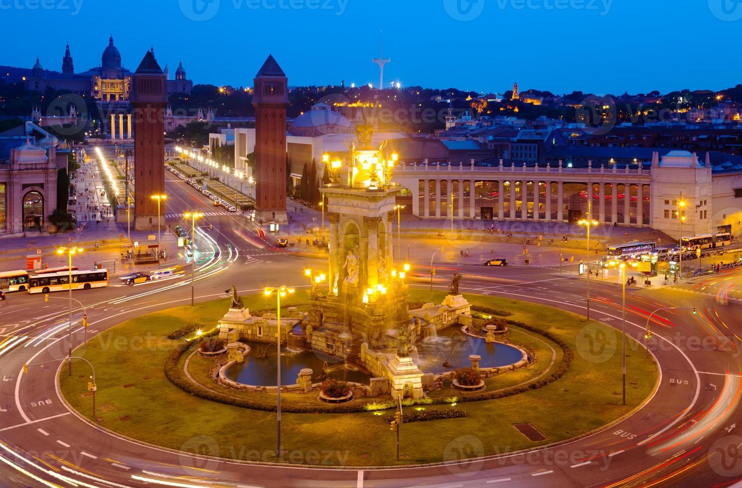 vue de nuit de barcelone photo