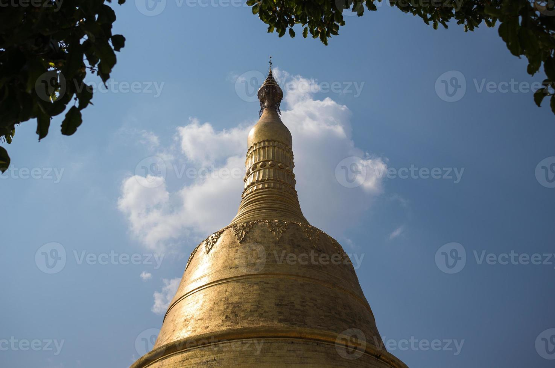 La pagode Shwemawdaw à Bago au Myanmar photo
