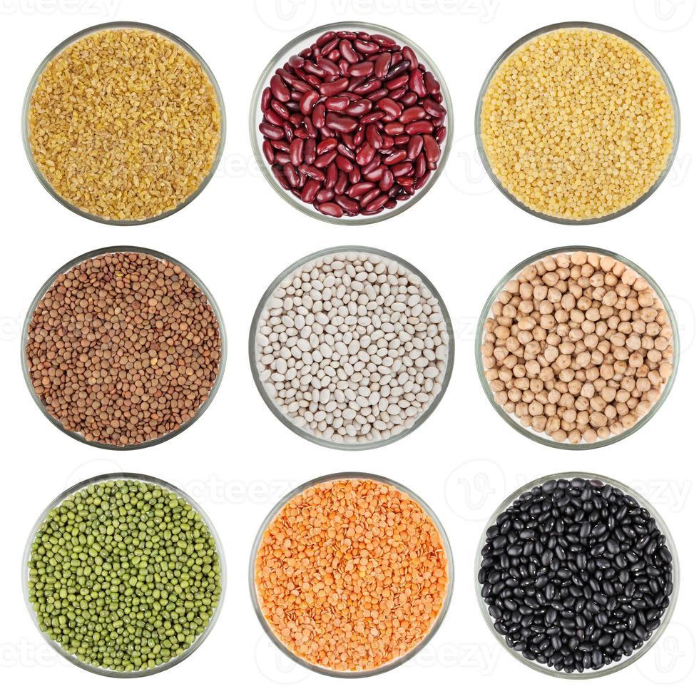 ensemble de grains isolé sur fond blanc photo
