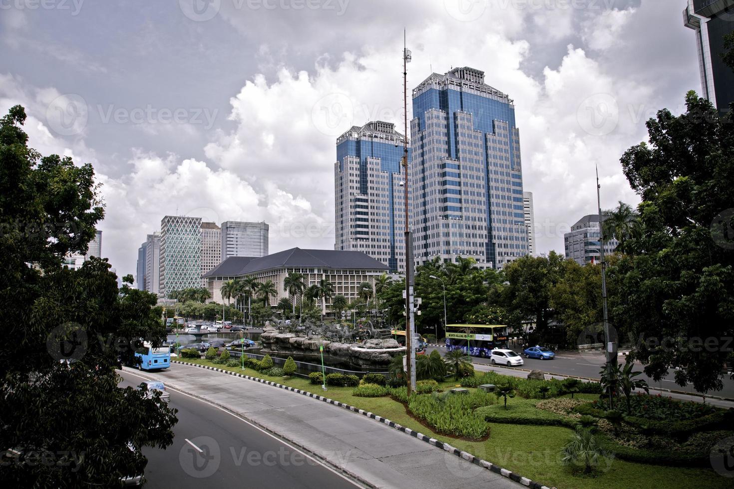 gratte-ciel architecture urbaine ville affaires entreprise indonésie jakarta centre ville photo