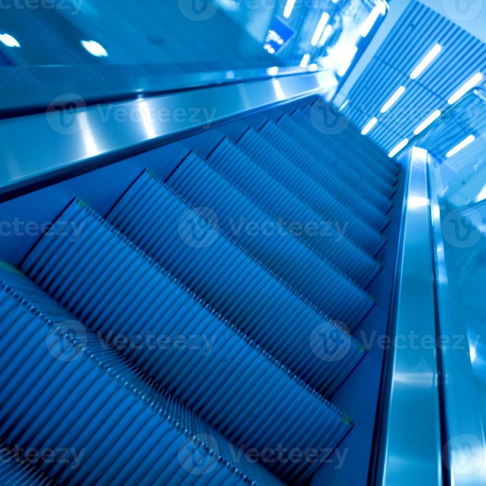 escalator en mouvement photo