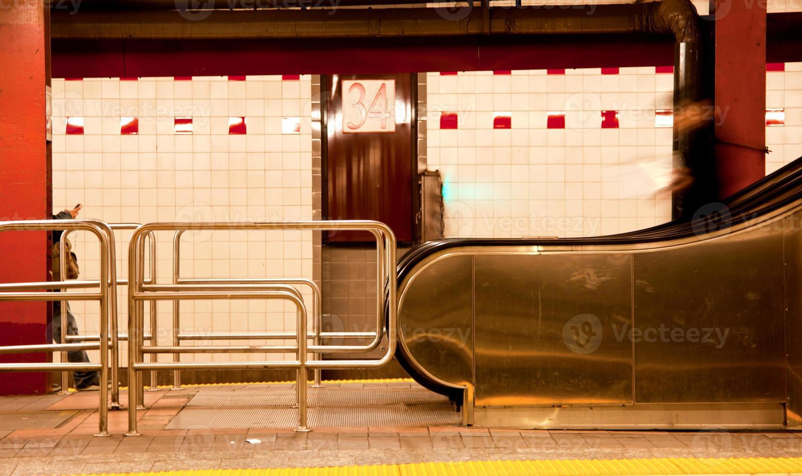 station de métro à new york city photo