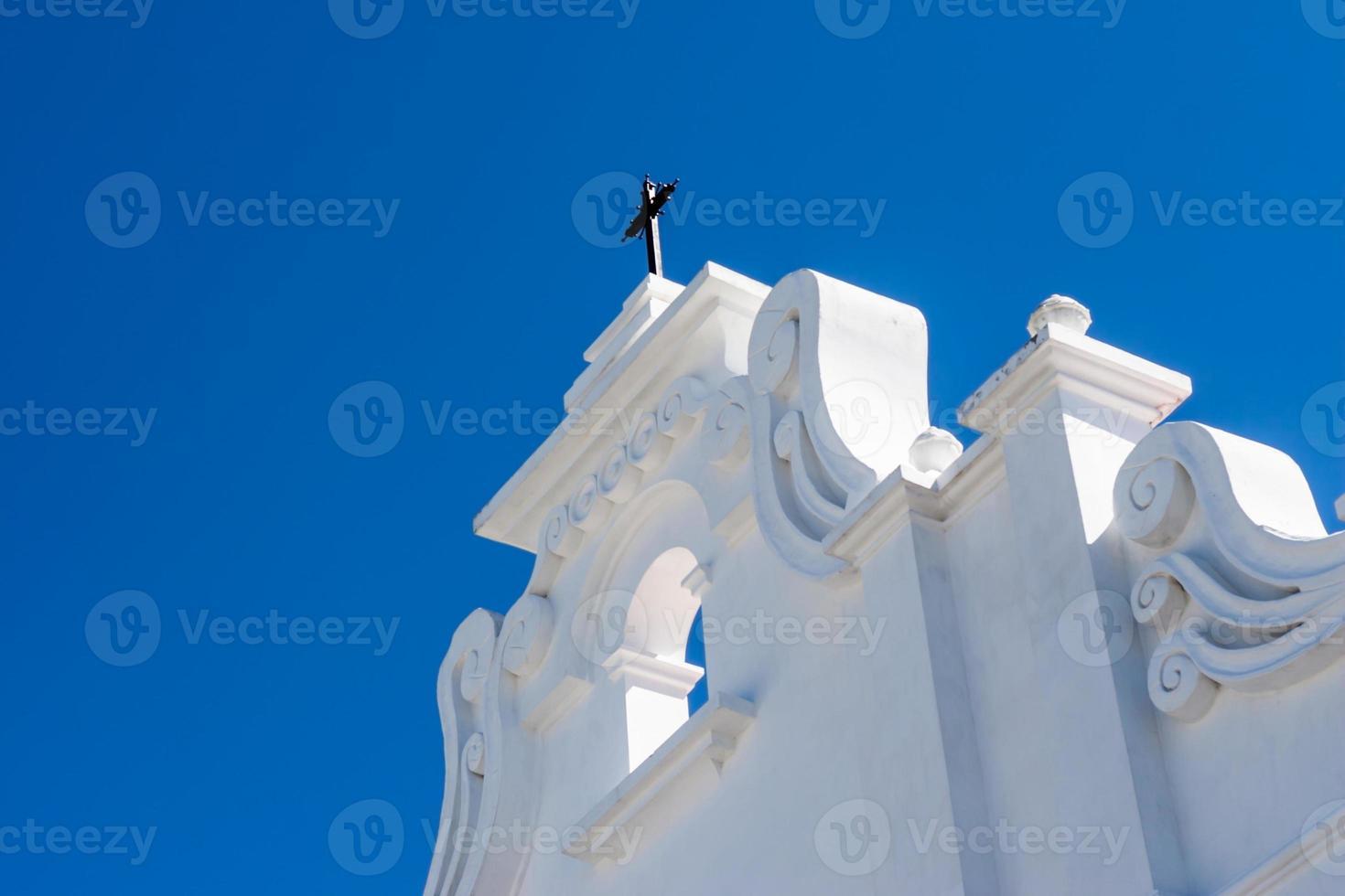 façade de l'église coloniale photo