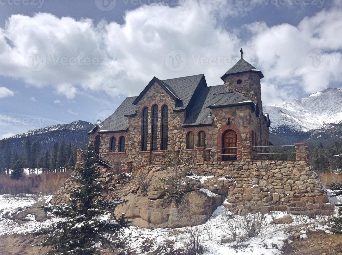église de montagne photo
