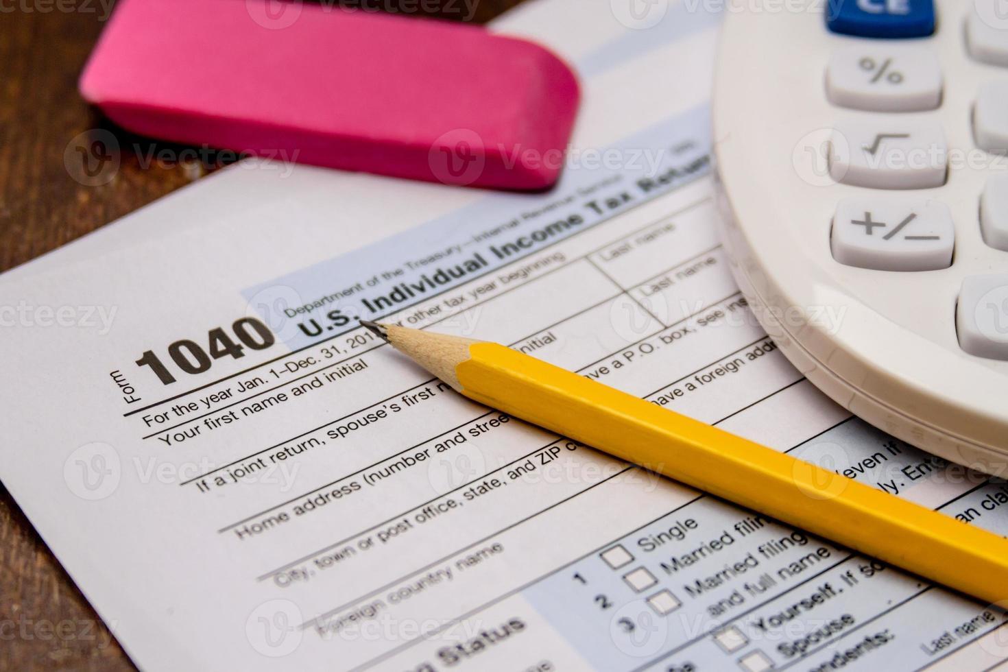 dépôt des taxes et des formulaires fiscaux photo