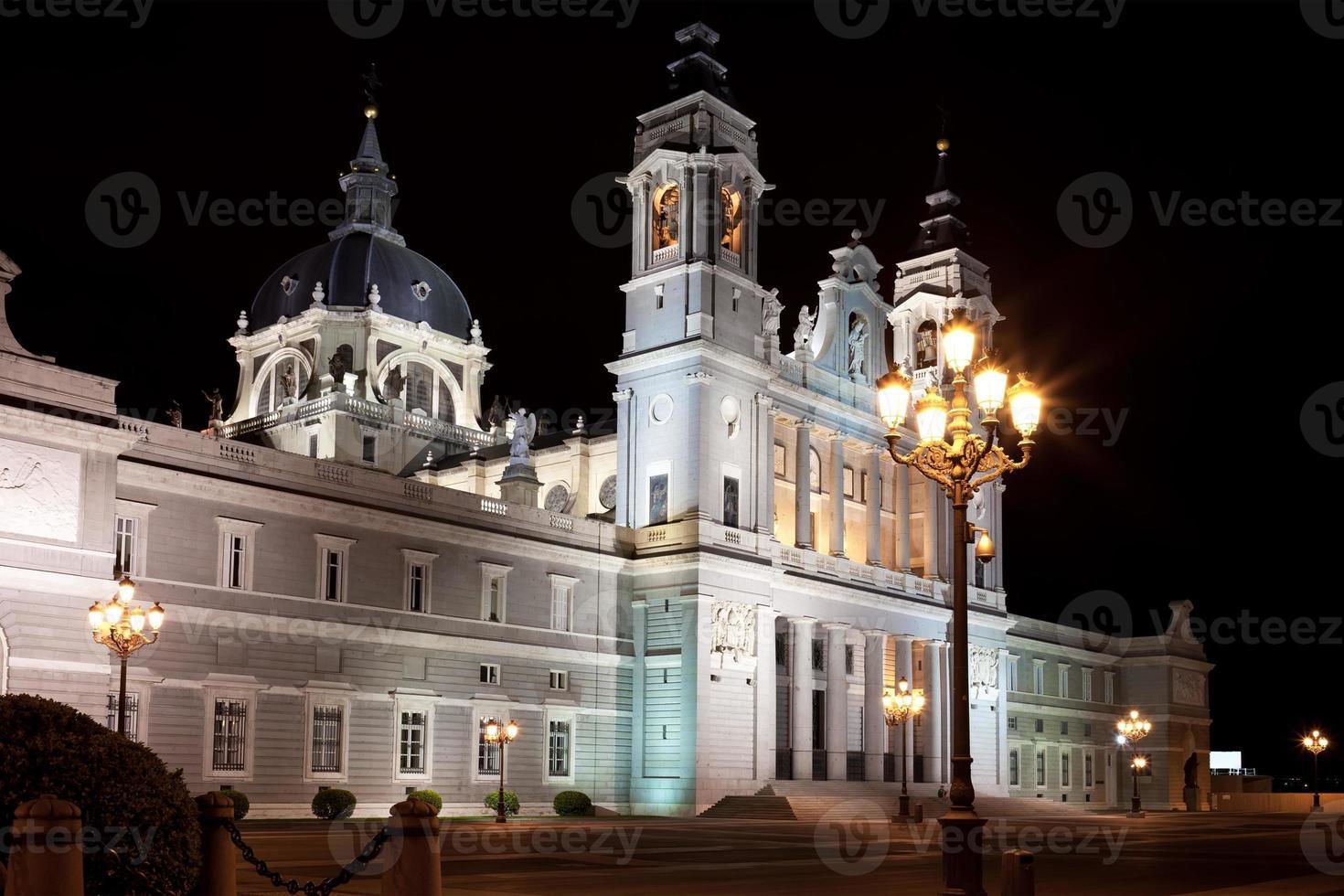 cathédrale almudena photo